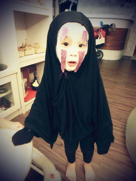 'Vo Dien' hot nhat mua Halloween se khien ban 'cuong' hon voi bo mat that cua co be - Anh 7