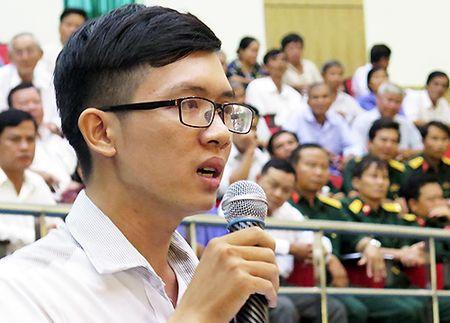 Thay giao duoc cong nhan vien chuc sau khi than phien voi ong Dinh La Thang - Anh 1