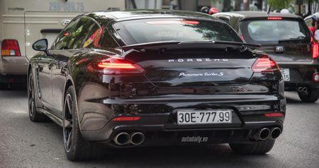 Cham mat Porsche Panamera phien ban dat nhat, hiem nhat tren pho Ha Noi - Anh 1