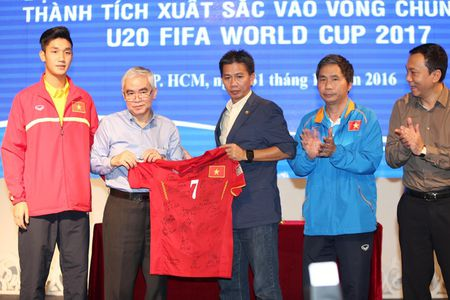 U19 Viet Nam rang ngoi ngay tro ve - Anh 10