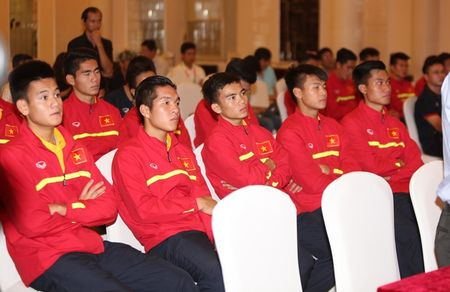 U19 Viet Nam rang ngoi ngay tro ve - Anh 11