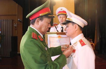 Thu tuong bo nhiem Tu lenh Canh sat co dong - Anh 3