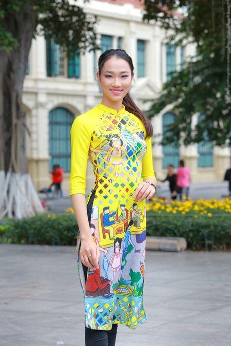 Dan Hoa hau, A hau nhay flashmob tung bung truoc Ho Guom - Anh 9
