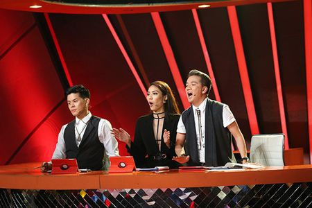 'Buoc nhay ngan can': Lan Khue muon bo nghe nguoi mau de lam MC - Anh 1