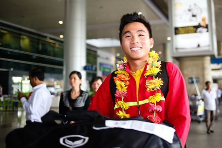 U19 Viet Nam duoc chao don nong nhiet duoi mua tam ta - Anh 9