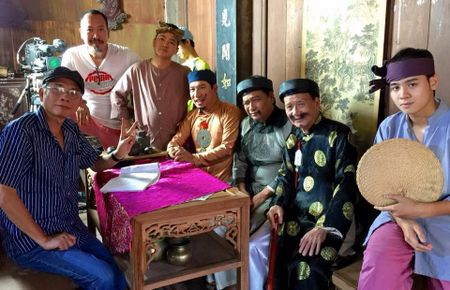 Pham Bang: Dem tieng cuoi dang doi, de nuoc mat rieng minh - Anh 2