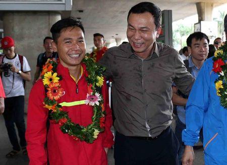 U19 Viet Nam rang ro ngay tro ve - Anh 5