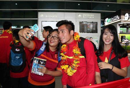 U19 Viet Nam rang ro ngay tro ve - Anh 9