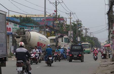 Cong an len tieng vu xe tai nang phot lo bien cam - Anh 1