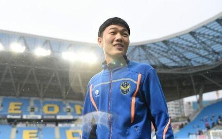 Thi dau xuat sac, Xuan Truong duoc HLV Incheon khen ngoi - Anh 1