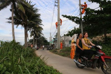 Gan 2.230 nguoi dan tren dao Hon Nghe co dien luoi quoc gia - Anh 1
