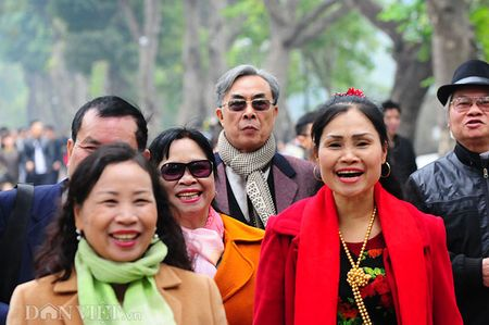 Canh sac Ha Noi ruc ro, thanh binh ngay dau nam 2017 - Anh 3