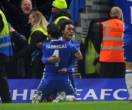 Ruot duoi kich tinh, Chelsea nhoc nhan danh bai Stoke tren san nha - Anh 4