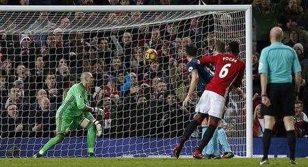 5 diem nhan Man Utd 2-1 Middlesbrough: Mourinho qua cao tay - Anh 2