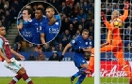 Bop nghet loi da cua Man City, Liverpool tiep tuc bam duoi Chelsea trong cuoc dua vo dich - Anh 8
