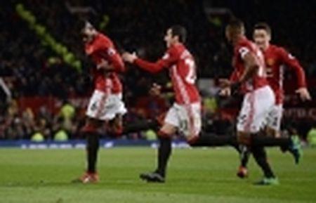 Choi te hai, Liverpool van thang Man City - Anh 3