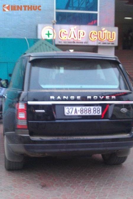 'Soi' Bentley va Range Rover tien ty ruoc dau o Nghe An - Anh 3
