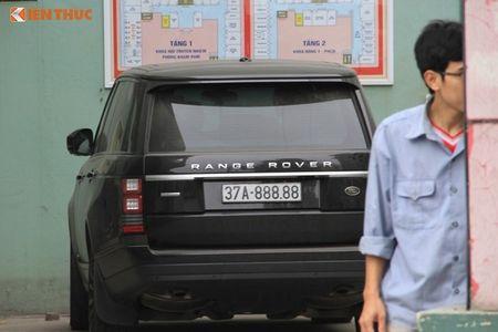'Soi' Bentley va Range Rover tien ty ruoc dau o Nghe An - Anh 4
