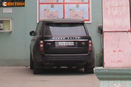'Soi' Bentley va Range Rover tien ty ruoc dau o Nghe An - Anh 5