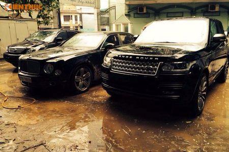 'Soi' Bentley va Range Rover tien ty ruoc dau o Nghe An - Anh 7