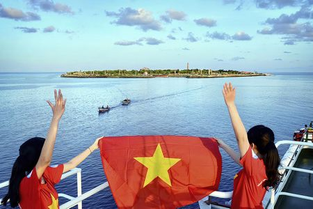 Co mot Truong Sa trong long Ha Noi - Anh 3