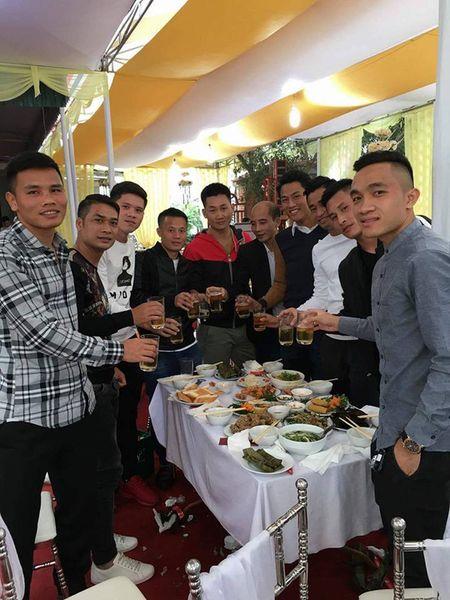 """Tuyen thu Viet mung dam cuoi tien ve Thang """"diec"""" - Anh 4"""