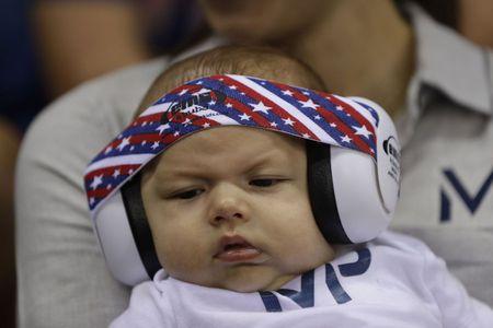 Hoc cach kien nhan nhu Michael Phelps day con tap boi - Anh 1