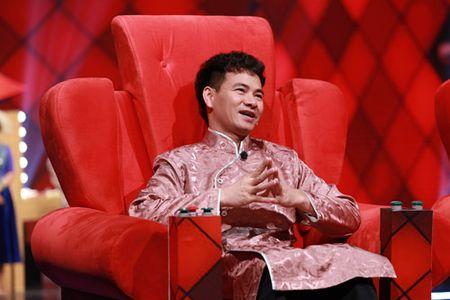 Cat Phuong vac con tran to vat va choang len vai khach moi - Anh 6