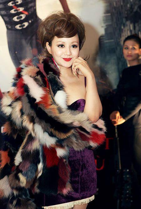 Xinh dep, sexy nhung MC Viet Nga lien tuc bi gan mac tham hoa ao long - Anh 7