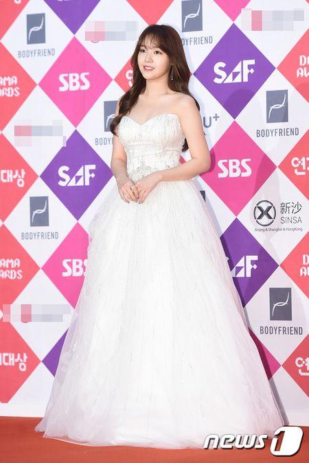 "Khong co Jeon Ji Hyun, Lee Min Ho tai ngoi ""tinh cu"" tren tham do - Anh 12"