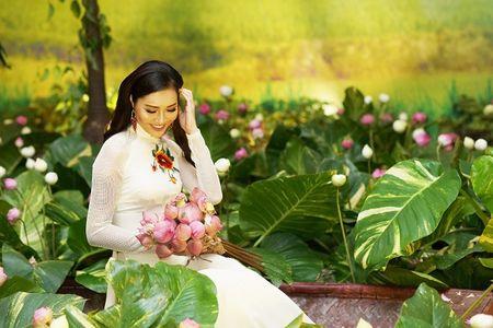 Hoa Khoi Ao Dai Dieu Ngoc dam tham trong tiec mung nam moi - Anh 4