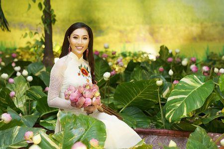 Hoa Khoi Ao Dai Dieu Ngoc dam tham trong tiec mung nam moi - Anh 5