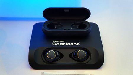 Samsung phat trien tai nghe nhu AirPods cho Galaxy S8 - Anh 1