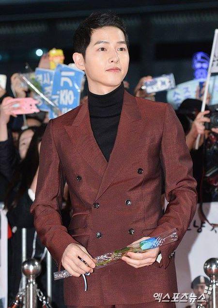 Song Hye Kyo dep tua nu than, Song Joong Ki banh bao tren tham do KBS 2016 - Anh 8