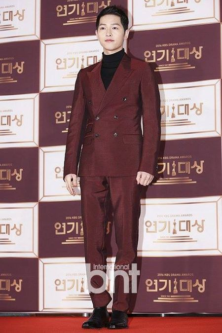 Song Hye Kyo dep tua nu than, Song Joong Ki banh bao tren tham do KBS 2016 - Anh 9