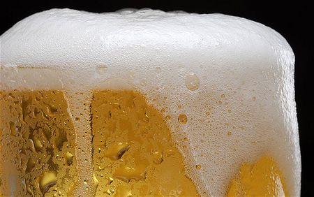 Mach ban cach phan biet bia that va gia don gian cho dip Tet - Anh 2