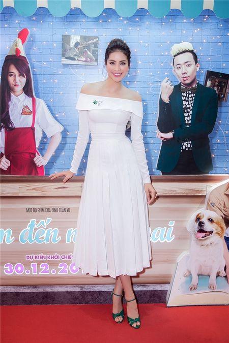 Pham Huong, Le Hang, Hoang Thuy Linh mac dep nhat tuan qua - Anh 1