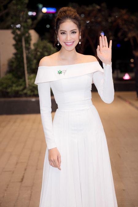 Pham Huong, Le Hang, Hoang Thuy Linh mac dep nhat tuan qua - Anh 3