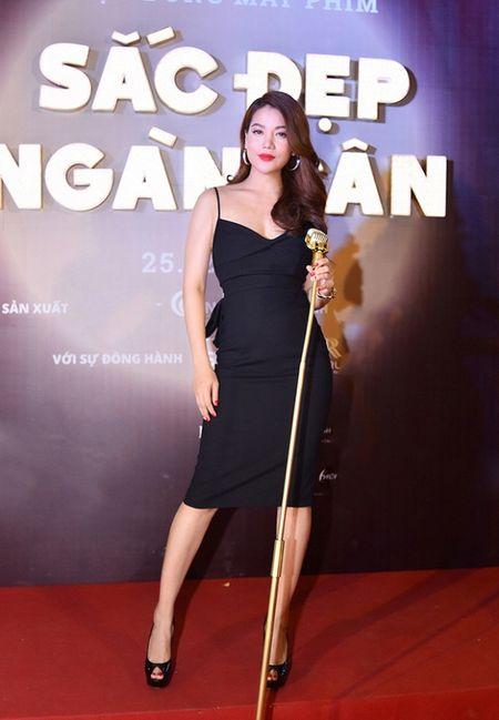Pham Huong, Le Hang, Hoang Thuy Linh mac dep nhat tuan qua - Anh 6