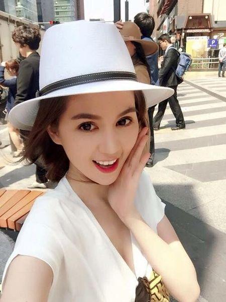 My nhan Viet ron rang gui loi chuc mung nam moi - Anh 5