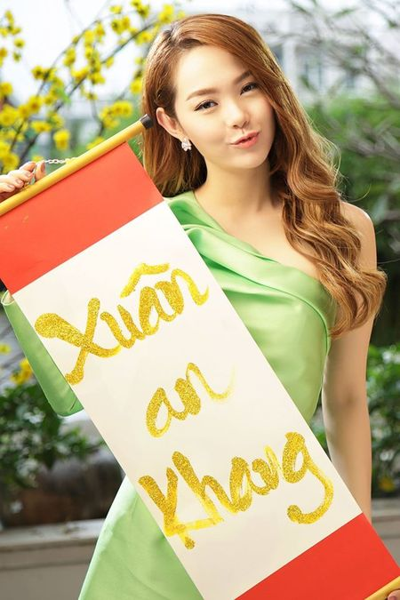 My nhan Viet ron rang gui loi chuc mung nam moi - Anh 9