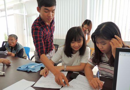 Giao quyen tu chu dai hoc khong co nghia la Bo GD&DT buong long quan ly - Anh 2
