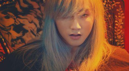Son Tung M-TP mac do co trang di giay the thao, Lac troi co dao nhac G-Dragon va Rihanna? - Anh 10