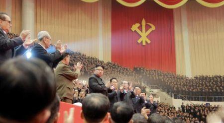 Nam moi, ong Kim Jong-un lai tuyen bo thu ten lua dan dao lien luc dia - Anh 1