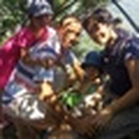 Pho Sai Gon nhon nhip, ngap sac xuan trong ngay nghi Tet duong lich 2017 - Anh 26