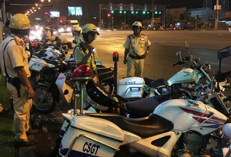 TP.HCM: CSGT se kiem tra nong do con xuyen dem trong dip Tet Nguyen dan - Anh 1