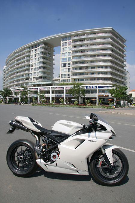 Cam nhan sportbike huyen thoai Ducati 1198 tai Sai Gon - Anh 2