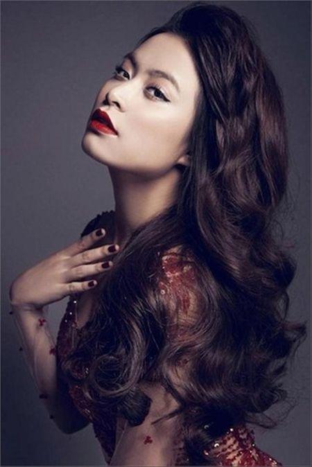 Hoang Thuy Linh kheo tan dung nhan sac sexy kiem tien chuc ty - Anh 1