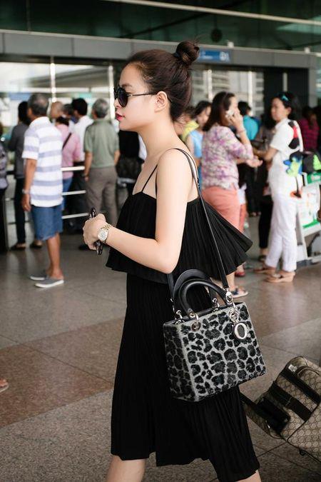Hoang Thuy Linh kheo tan dung nhan sac sexy kiem tien chuc ty - Anh 28
