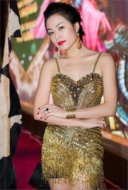 Hoang Thuy Linh kheo tan dung nhan sac sexy kiem tien chuc ty - Anh 4